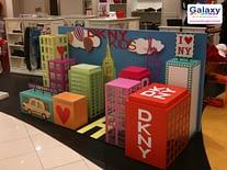acrylic-props-display